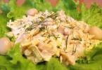 Куриный салат с шампиньонами