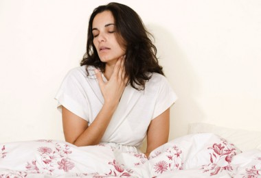 Чем обезболить горло при ангине?