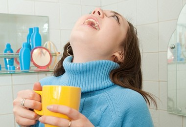 Ангина: чем полоскать горло? Выбираем эффективные средства из аптеки