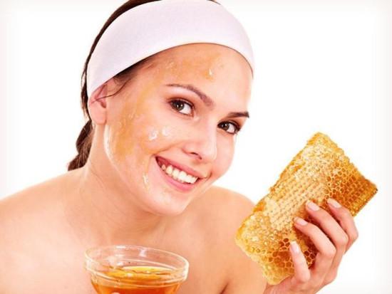 Гречишный мед – лучшее средство для сохранения женского здоровья и красоты