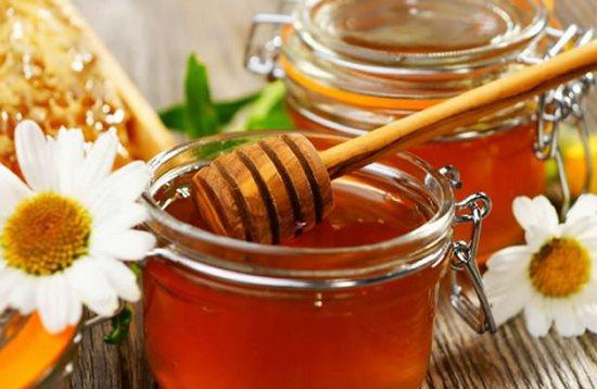 Правила сладкой жизни для волос: какой мед использовать и как?