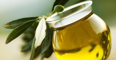 Чем полезно оливковое масло натощак?