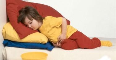 Спазмы в животе у детей старше года и младшего дошкольного возраста