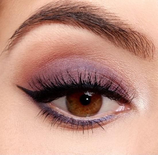 Как сделать красивый макияж для карих глаз?