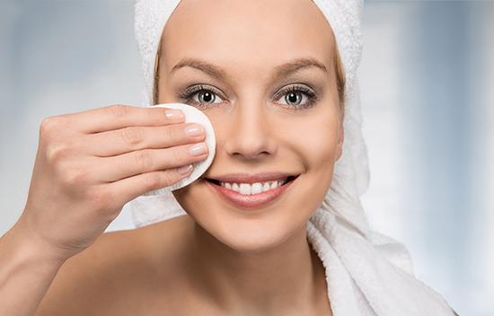 Как нужно пользоваться средством для снятия макияжа на основе масла