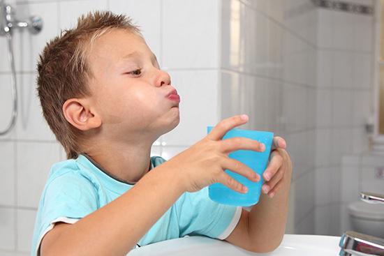 Полоскание при тонзиллите у детей