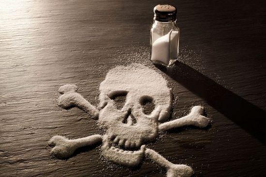 Опасности, подстерегающие любителей «солененького»