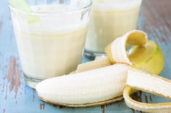 Маска для лица из сметаны с бананом и медом