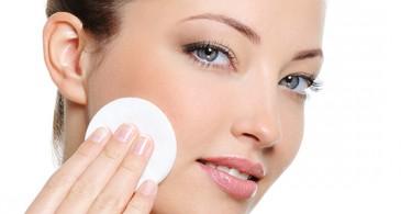 Молочко для снятия макияжа: как выбрать и пользоваться