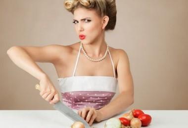 Сколько калорий в луке на 100 грамм – сыром и после кулинарной обработки?