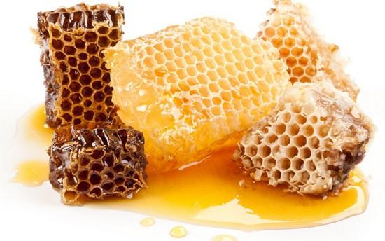 Мед в сотах: возможный вред