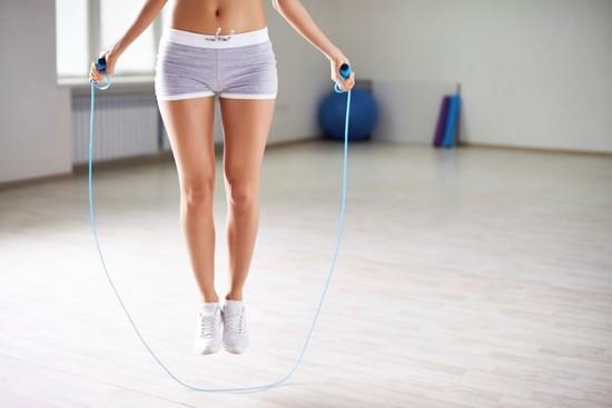 Упражнения со скакалкой для увеличения мышц ног
