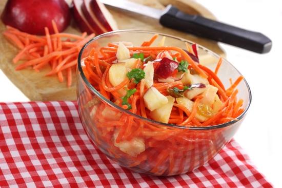 Тертая морковь с яблоком: польза