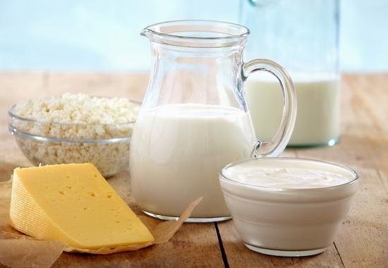 Полезные свойства молока для взрослых