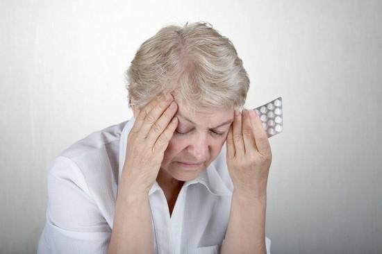 Давление при климаксе: лечение