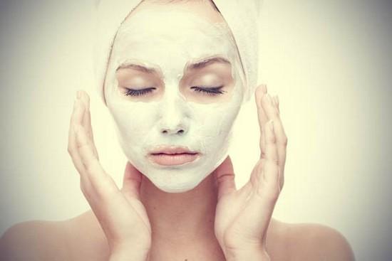 Белая глина для лица: маски в домашних условиях