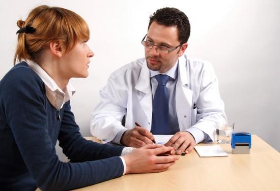Периодические спазмы в желудке и животе: причины и возможные заболевания