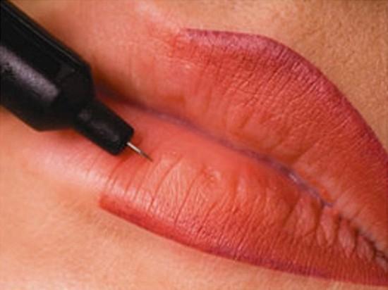Перманентный макияж губ – отличное решение