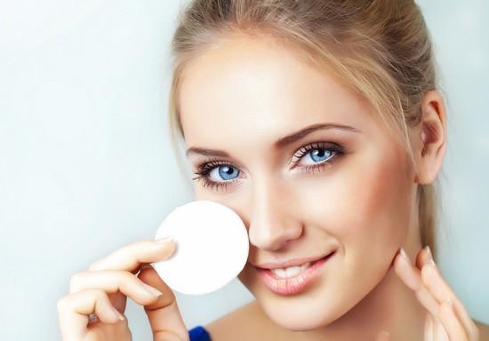 Правильный уход за перманентным макияжем век