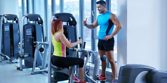 интенсивные тренировки подойдут и для девушек, и для сильного пола в тренажерном зале