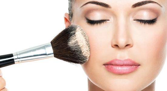 Как сохранить макияж на весь день в жару и холод?