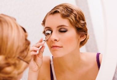 Как в жару сохранить макияж?