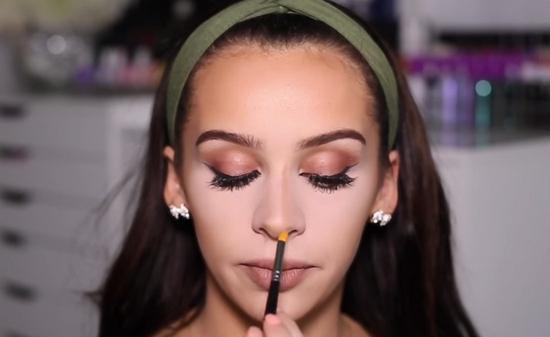 Как макияжем уменьшить нос?