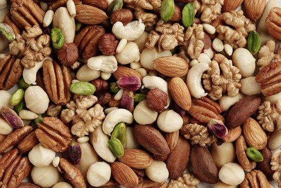 Калорийность разных видов орехов на 100 грамм