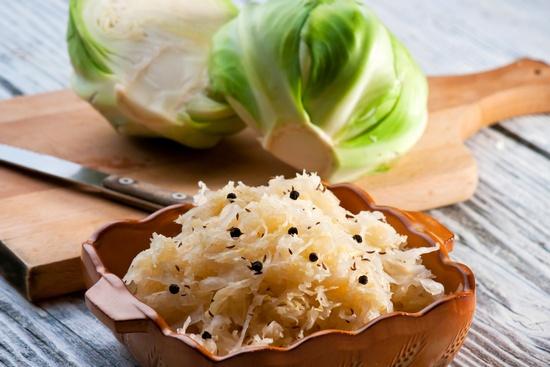 Польза и вред кислой капусты