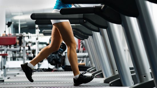 Интервальная тренировка на беговой дорожке для быстрого похудения