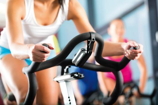 Интервальная тренировка на велотренажере для эффективного похудения