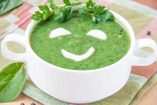 Суп из замороженного шпината с яйцом