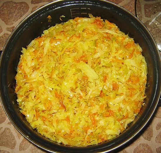 капуста с курицей и рисом тушеная