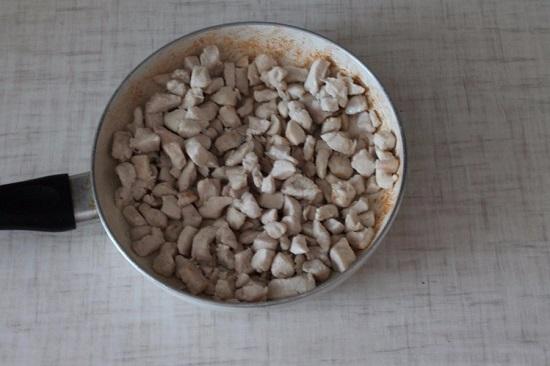 По вкусу добавляем соль и специи