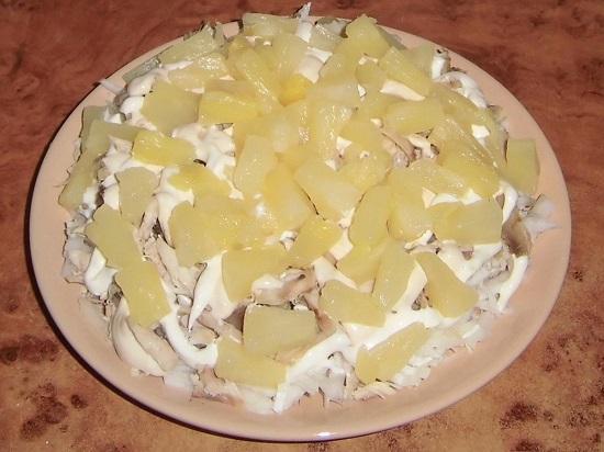 Режем ананасы равноценными кубиками