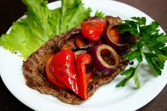 антрекот из говядины рецепт на сковороде