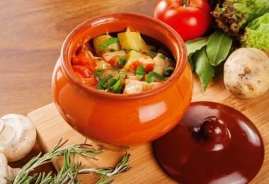 Мясо по-купечески с грибами, гречкой и картошкой: рецепты