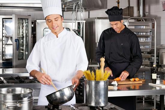 Приготовить пасту с филе семги несложно
