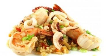 Рис с яйцом по-китайски, жаренный с овощами: рецепты с фото