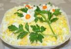 Салат с ананасами консервированными: пошаговые рецепты с фото