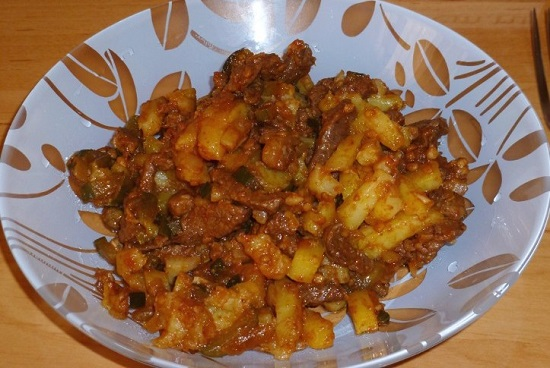 рагу из говядины с подливкой по татарскому рецепту