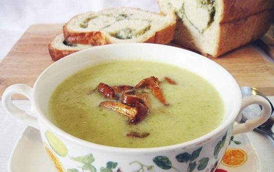 кабачкового супа-пюре грибочками и грецкими орешками