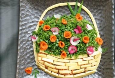 Салат с копченым окорочком: простые рецепты с пошаговыми фото