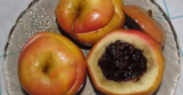 Как запечь яблоки в духовке: рецепты с видео