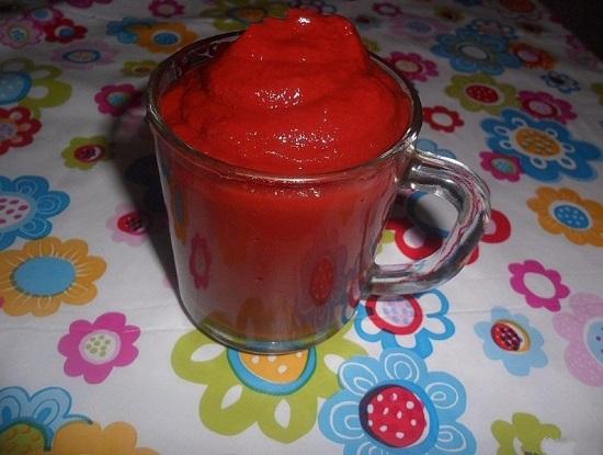 Отмеряем нужное количество томатной пасты