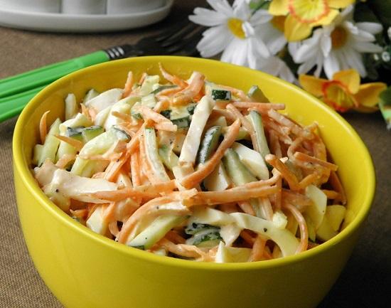 салат с копченым окорочком и корейской морковкой