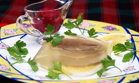 заливное из говяжьего языка с желатином