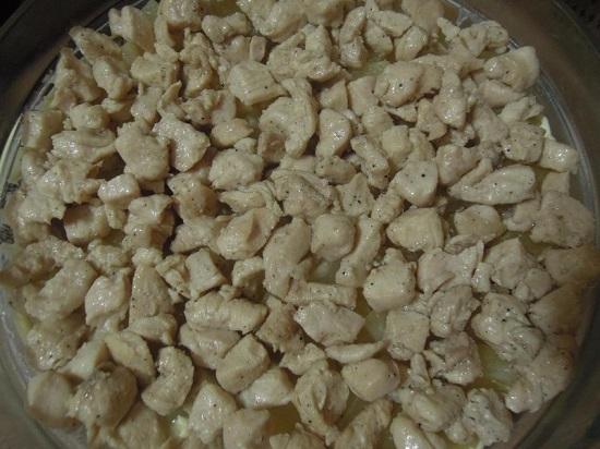 Снова делаем слой жареного куриного филе