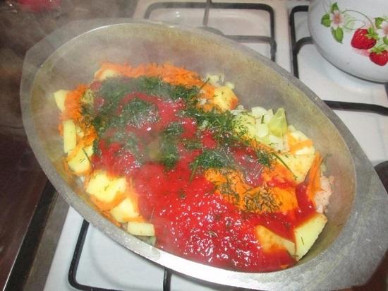 Солянка с сосисками и картошкой, и капустой