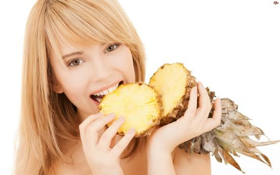 Ананасовая диета: как помогает похудеть тропический фрукт?